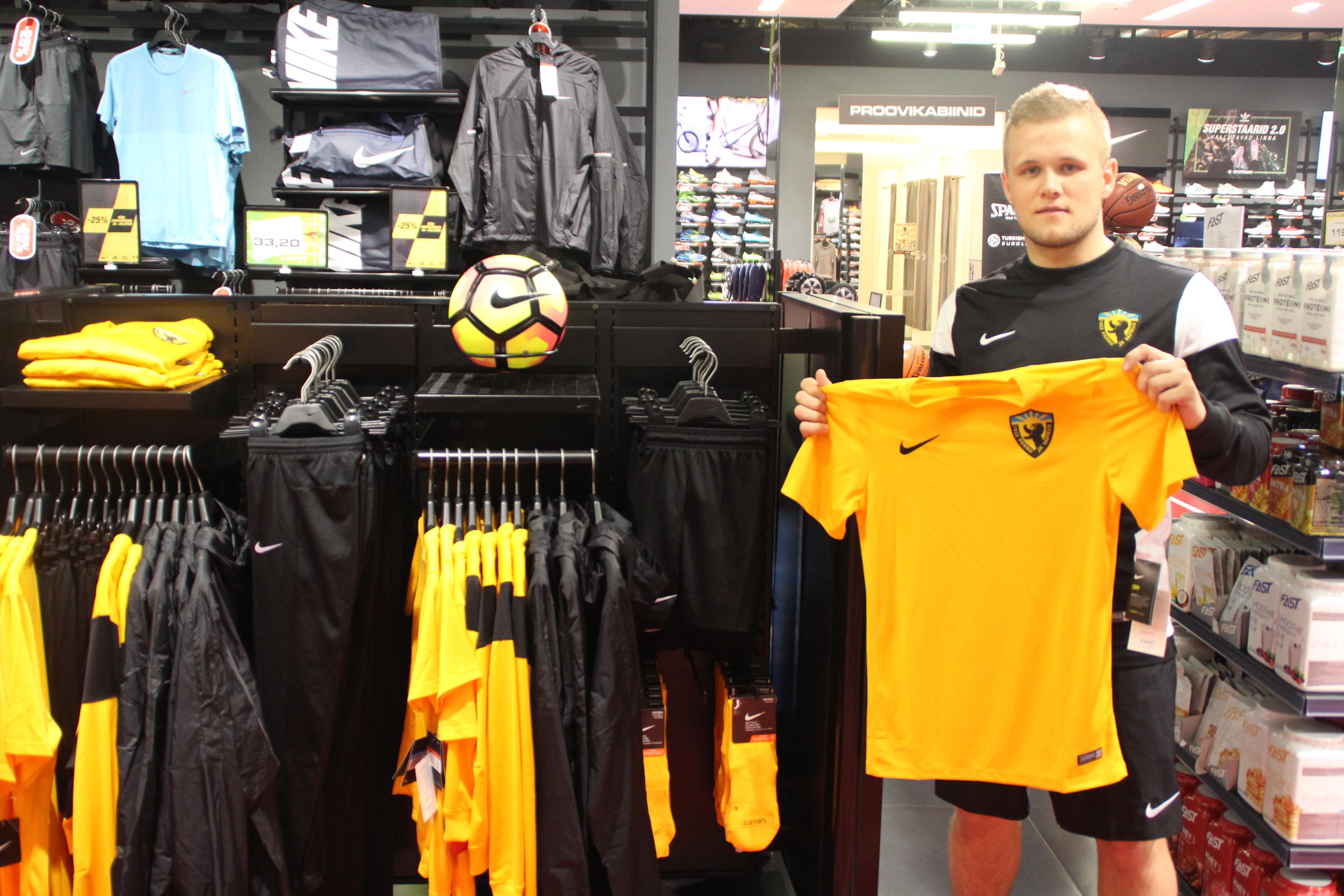 Pärnu Vapruse noormängijate treeningvarustus on nüüdsest müügil Kaubamajaka Sportlandis